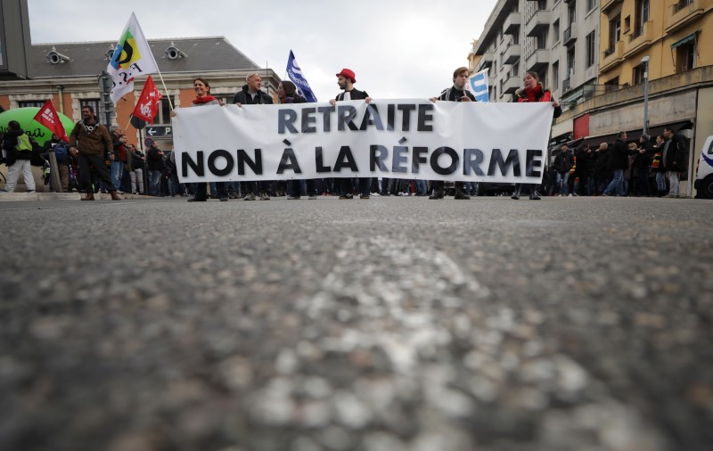 © Reuters. Nationwide day of strike and protests against pensions reform in France