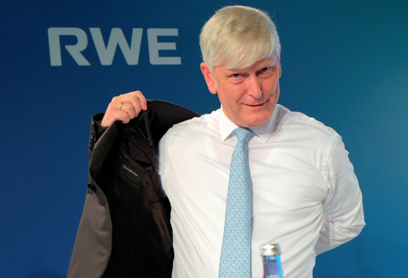 RWE CEO signals he might step down next year - Spiegel By Reuters