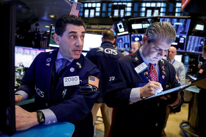 U.S. stock futures fall more than 1 percent as coronavirus fears sprea