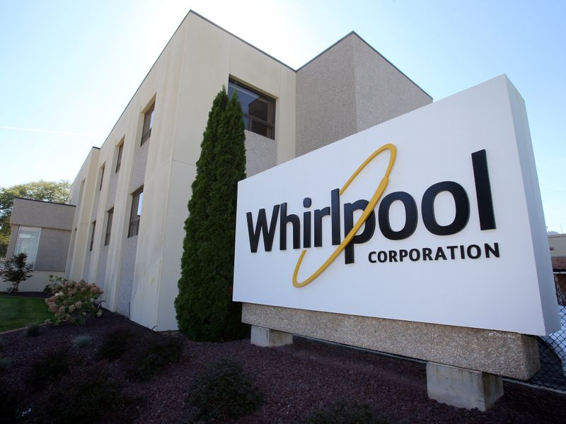 © Reuters. The administrative entrance at the Whirlpool plant in Clyde Ohio