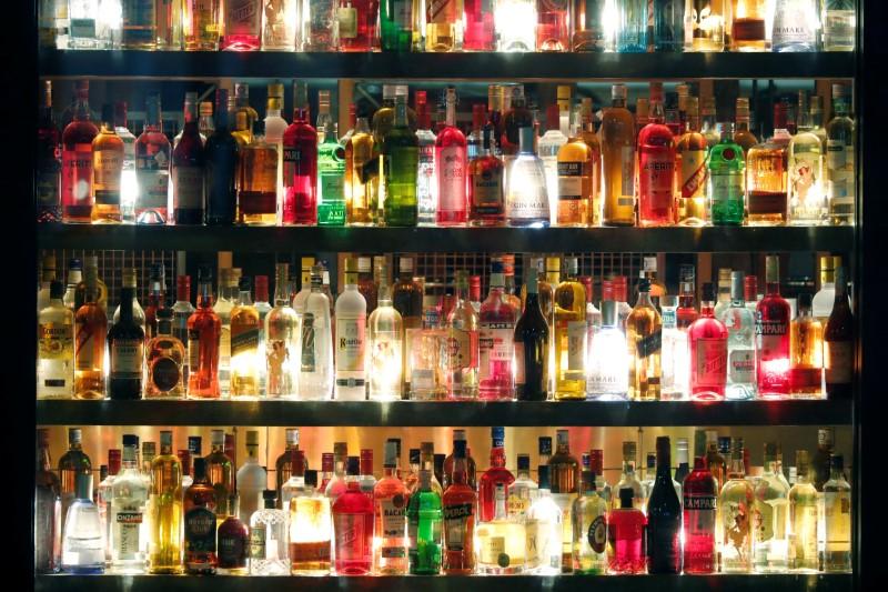 Beer, wine, spirit makers pledge age-restriction labels on drinks