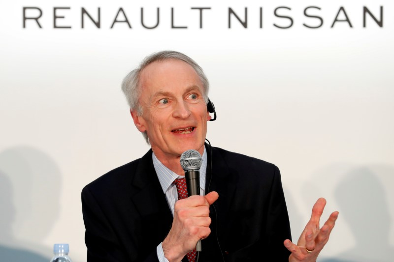 Renault-Nissan can overhaul alliance without ownership change, chairman says