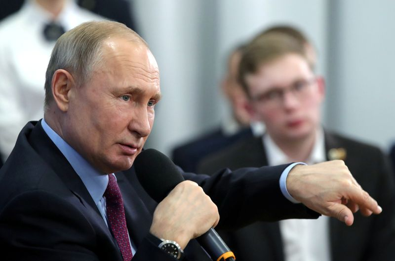 Russian government pulled $25 billion from banks in December as Putin revives stimulus plan