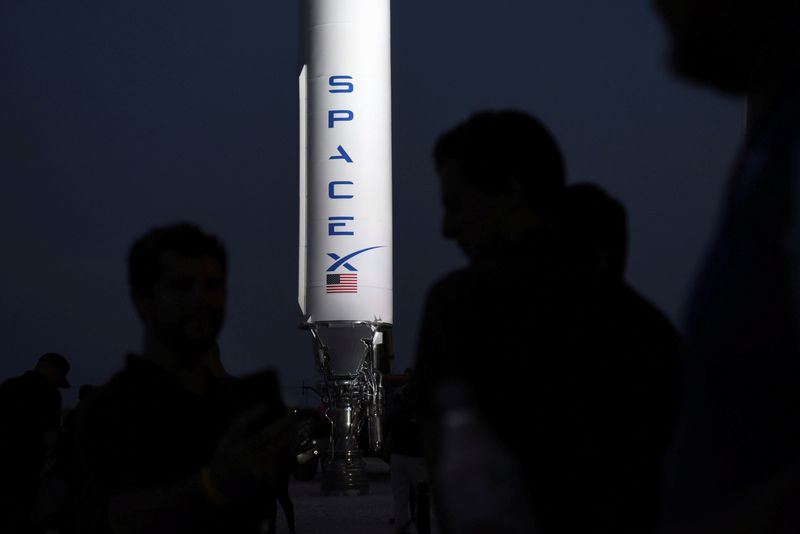 © Reuters. SpaceX's Elon Musk gives an update on the company's Mars rocket Starship in Boca Chica