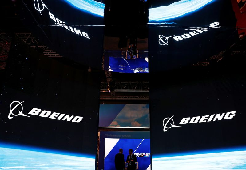 © Reuters. A view of the Boeing booth at the Singapore Airshow in Singapore