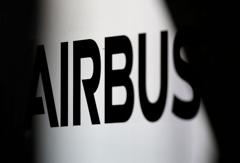 © Reuters. FILE PHOTO: The logo of Airbus is pictured at the aircraft builder's headquarters of Airbus in Colomiers near Toulouse