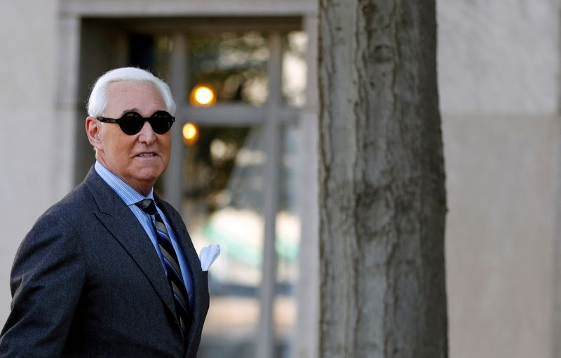 © Reuters. FILE PHOTO: Roger Stone, former campaign adviser to U.S. President Donald Trump, arrives for the continuation of his criminal trial on charges of lying to Congress, obstructing justice and witness tampering at U.S. District Court
