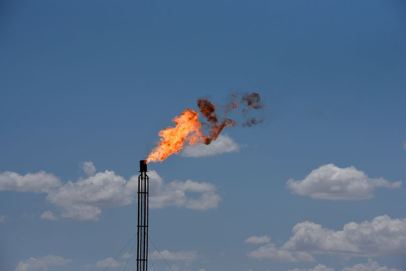 Pioneer Natural CEO calls on investors to divest in companies with high flaring
