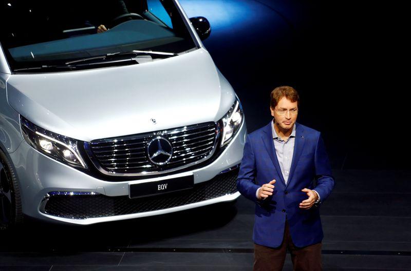 © Reuters. FILE PHOTO: Frankfurt hosts the international Motor Show (IAA)
