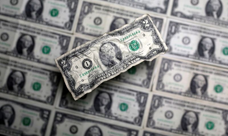 Dollar rebounds, yen drops, as traders cling to stimulus hopes