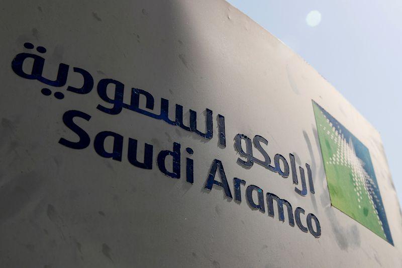 Saudi Arabia, Russia raise stakes in oil production standoff