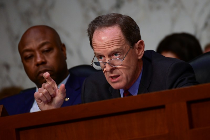 © Reuters. Toomey speaks during Facebook digital currency hearing