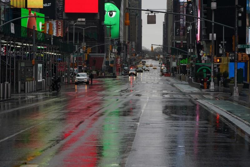 © Reuters. Outbreak of the coronavirus disease (COVID-19), in the Manhattan borough of New York City