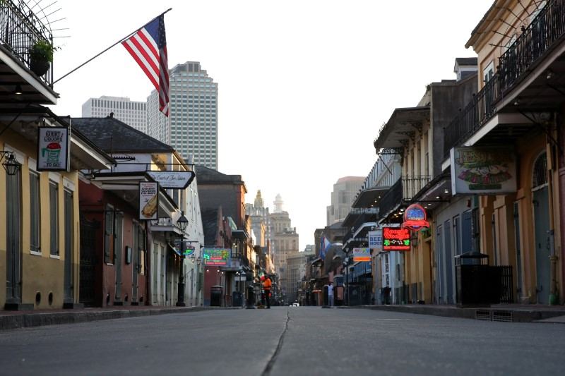© Reuters. A view of Bourbon Street amid the outbreak of the coronavirus disease (COVID-19), in New Orleans