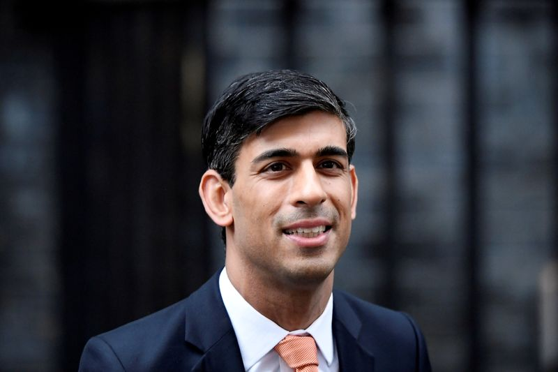 © Reuters. FILE PHOTO: FILE PHOTO: Newly appointed Britain's Chancellor of the Exchequer Rishi Sunak leaves Downing Street in London