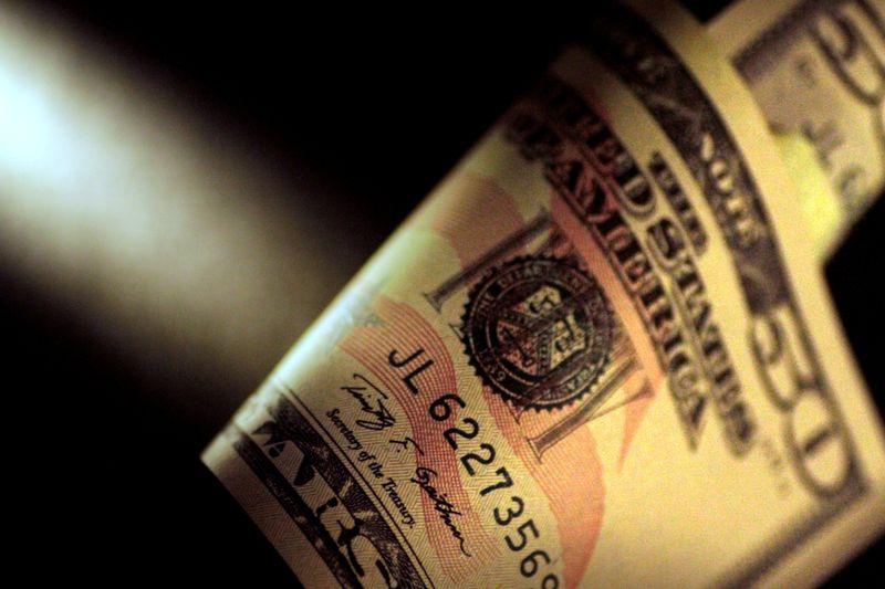 焦点:「ドル・クランチ」があぶり出す過剰債務問題と新興国通貨安