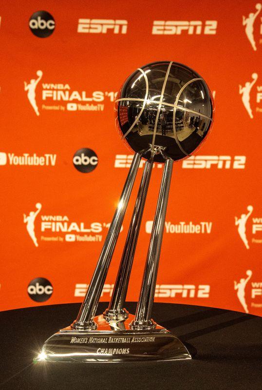 © Reuters. FILE PHOTO: WNBA: Finals-Connecticut Sun at Washington Mystics
