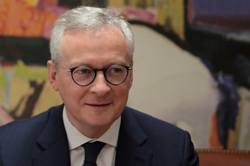 Euro zone crisis response must include solidarity fund - France