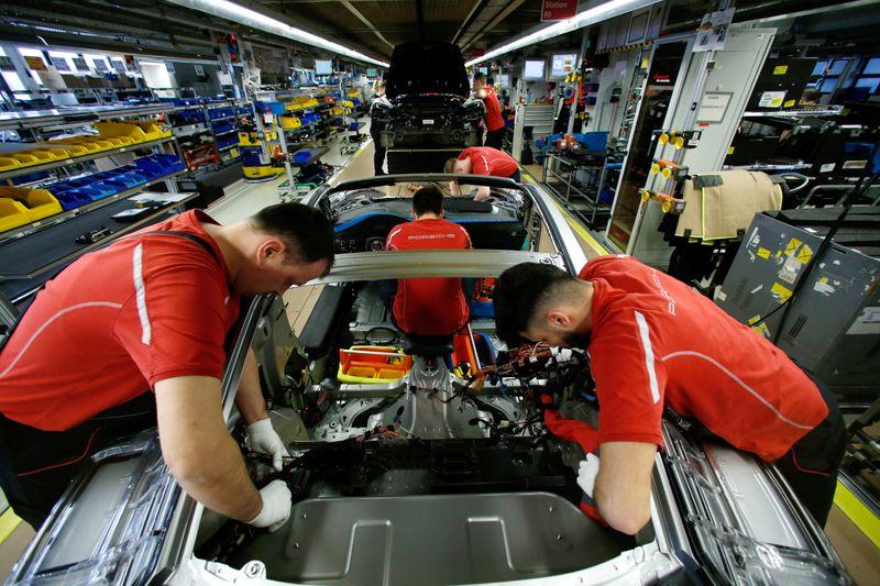 Allemagne: Production industrielle en hausse en février, avant le confinement