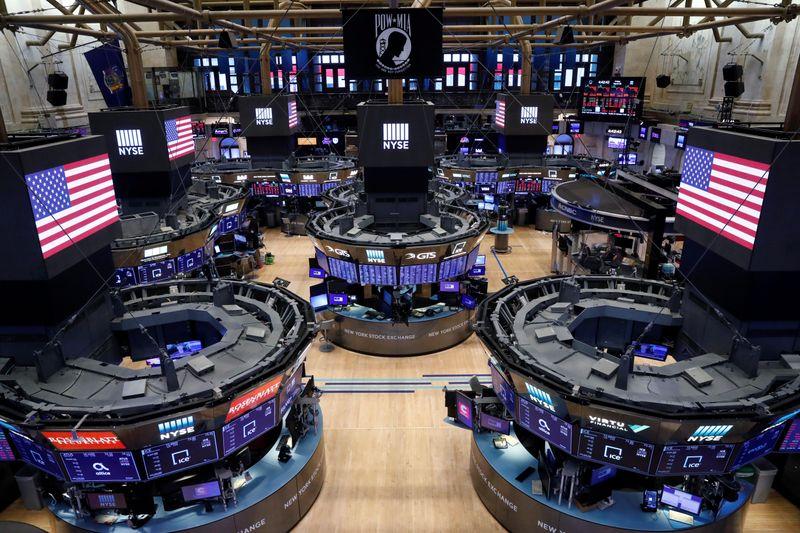 Borsa Usa, Wall Street in rialzo su segnali rallentamento virus Da Reuters