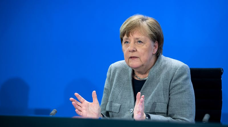 © Reuters. German Chancellor Angela Merkel news conference on the spread of the new coronavirus disease (COVID-19) in Berlin