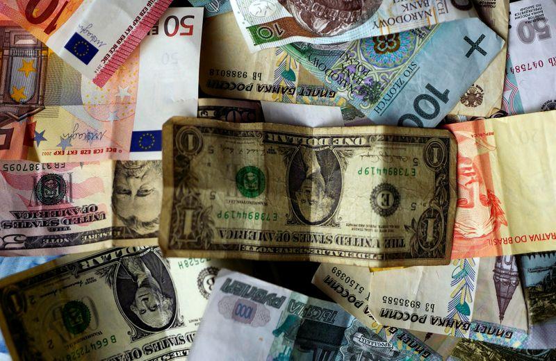 Euro stays quiet on Europe's day off; Australian dollar sinks