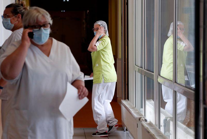 Coronavirus: Quand la réquisition des masques a plongé les Ehpad dans le désarroi