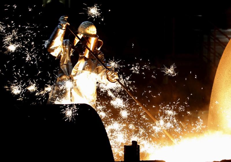 Produção industrial da zona do euro sofre em março maior perda mensal já registrada