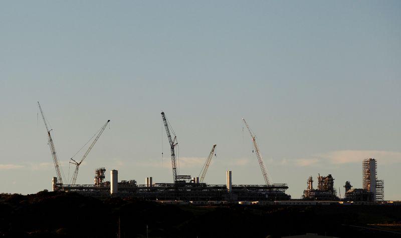 Oil crash pain drives potential gain for west Australian gas