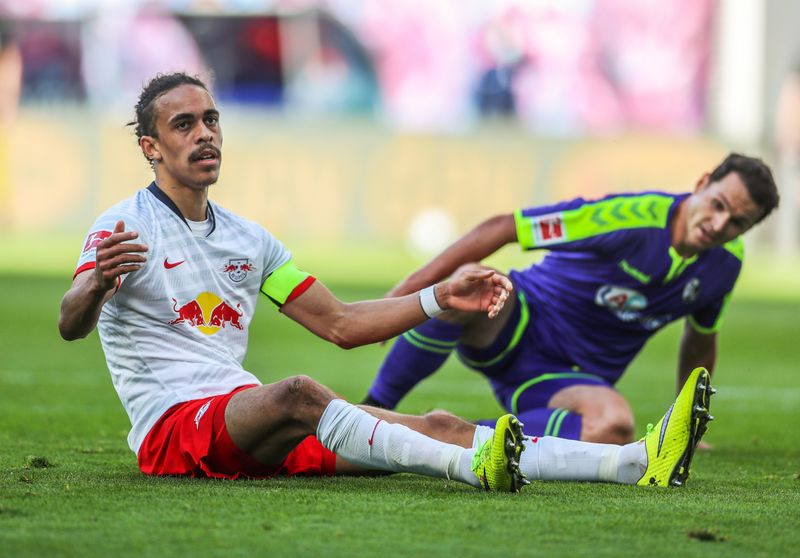 Leipzig survive late scare in 1-1 draw with Freiburg By Reuters