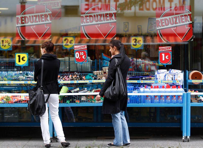 Inflação na zona do euro em abril é revisada para mínima em quase quatro anos