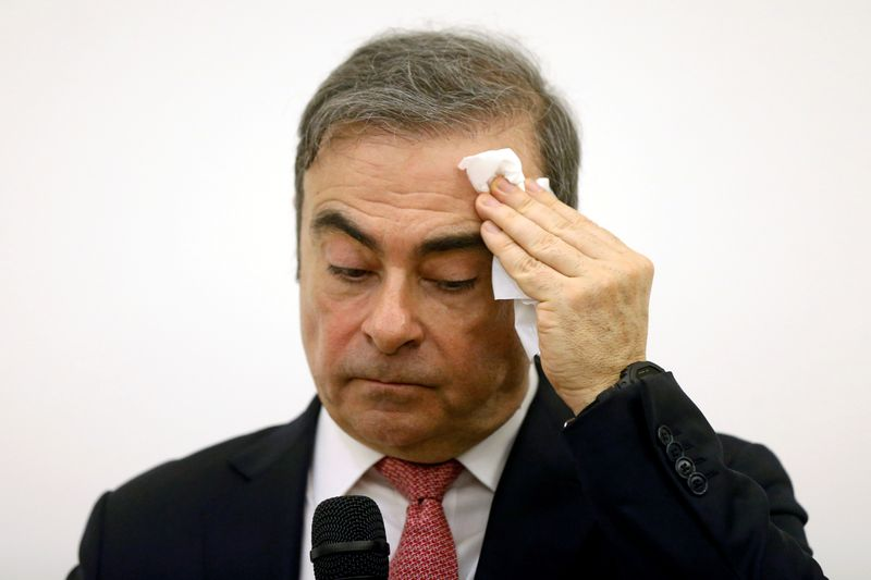 © Reuters. FILE PHOTO: Former Nissan chairman Carlos Ghosn attends a news conference at the Lebanese Press Syndicate in Beirut