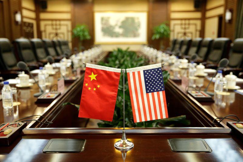 © Reuters. WASHINGTON AJOUTE 33 ENTREPRISES CHINOISES À SA LISTE NOIRE