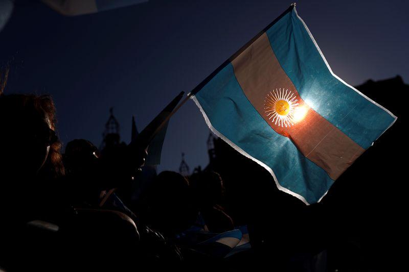 Argentina tem 9º default soberano em meio a intensificação de negociações sobre dívida