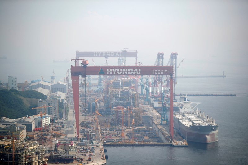 Qatar Petroleum's $19 bln LNG vessel order boon for S.Korean shipbuilders