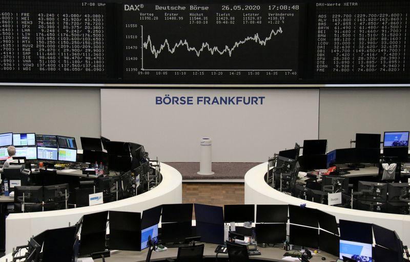 © Reuters. أسهم أوروبا تتراجع والبنوك تضغط على السوق