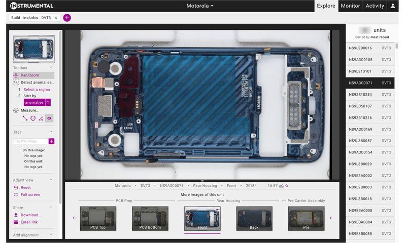 © Reuters. Captura de pantalla de teléfonos móviles Motorola parcialmente ensamblados de un sistema de software instrumental Inc, un Palo Alto