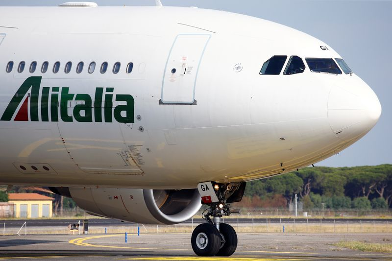 Italy industry minister says Alitalia had 232 million euros of liquidity as of May 31