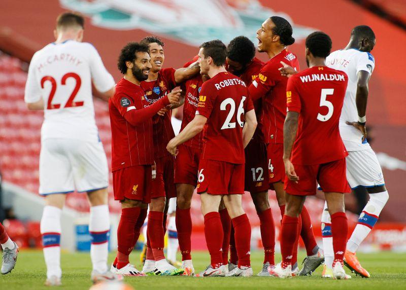 ليفربول يلامس لقب الدوري الإنجليزي بفوز ساحق على بالاس