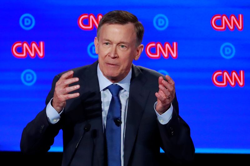© Reuters. FILE PHOTO: Democratic 2020 U.S. presidential candidate former Colorado Governor John Hickenlooper speaks on the first night of the second 2020 Democratic U.S. presidential debate in Detroit