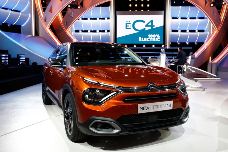 © Reuters. PSA's Citroen unveils its new C4 cars in Paris