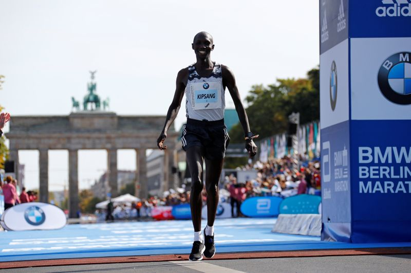 © Reuters. FOTO DE ARCHIVO: Maratón de Berlín