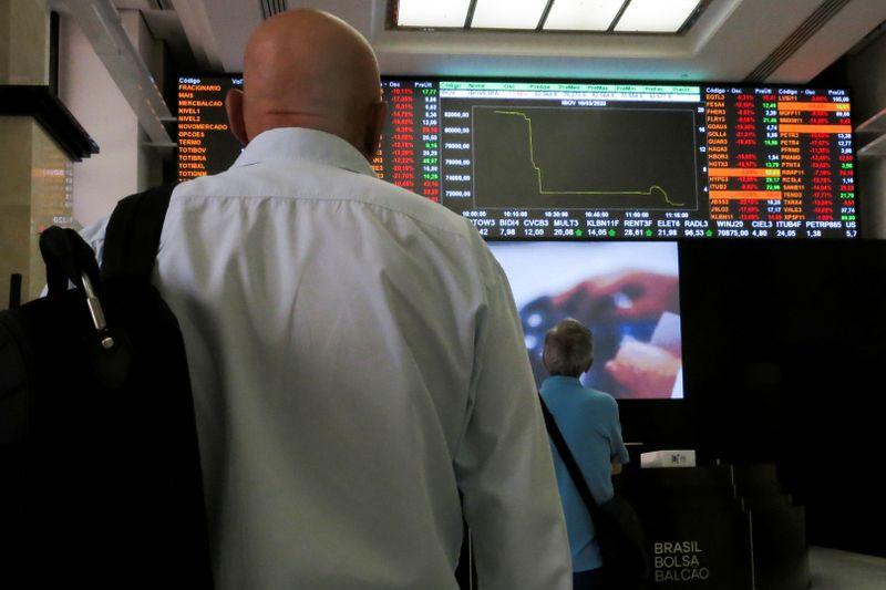Ibovespa quase bate 100 mil pontos com ânimo sobre retomada da economia – Investing.com Brasil