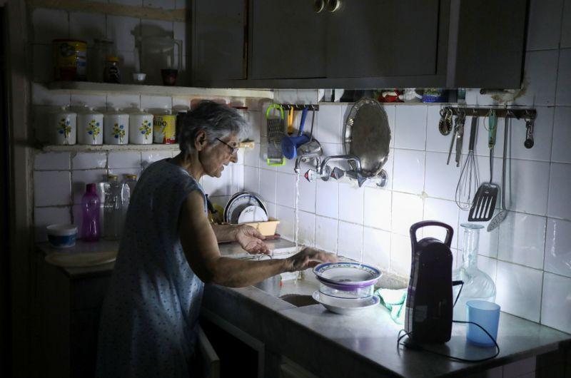 Blackouts darken misery of Lebanon's economic collapse