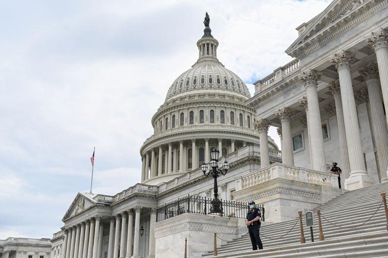 © Reuters. FOTO DE ARCHIVO: El Capitolio en Washington D.C.