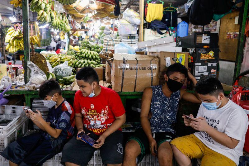 Philippine economy fears as coronavirus curbs reintroduced
