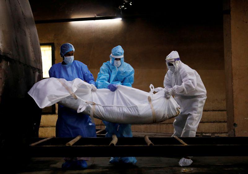 Global coronavirus deaths exceed 800,000