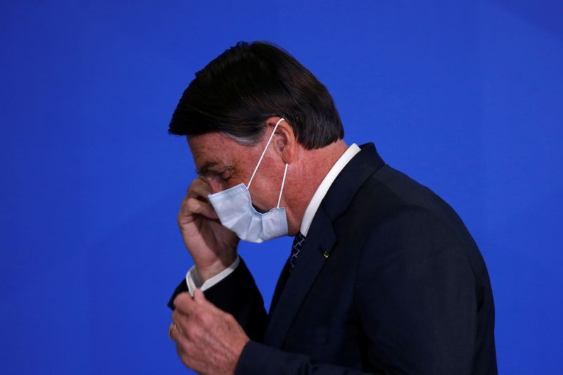 © Reuters. Foto de archivo del presidente de Brasil, Jair Bolsonaro, durante una ceremonia en el Palacio de Planalto, en Brasilia