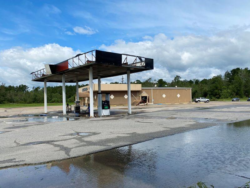 Operaciones petroleras en EEUU comienzan a reanudarse tras impacto del huracán Laura