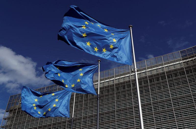 © Reuters. LA CE CONTRIBUE AU DISPOSITIF COVAX DE L'OMS À HAUTEUR DE 400 MILLIONS D'EUROS